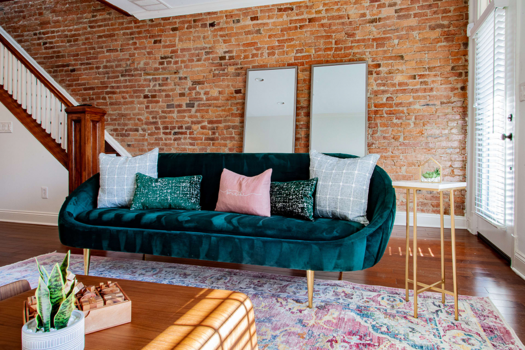 a3ccyqkwk6emurqfvipf 1024x683 - Beautifully appointed designer rowhome near capitol hill • Lincoln park