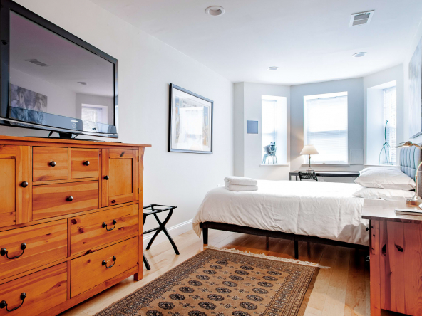 iqvhms1bqhx4m23y3rkk 592x444 - H St. Suite, 1-BR, 1 Block from the Corridor & DC Streetcar // Walk to Union Station