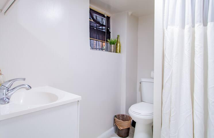 Wash room area 01